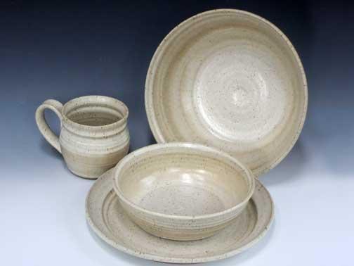 & Pistacio Potter_Dinnerware